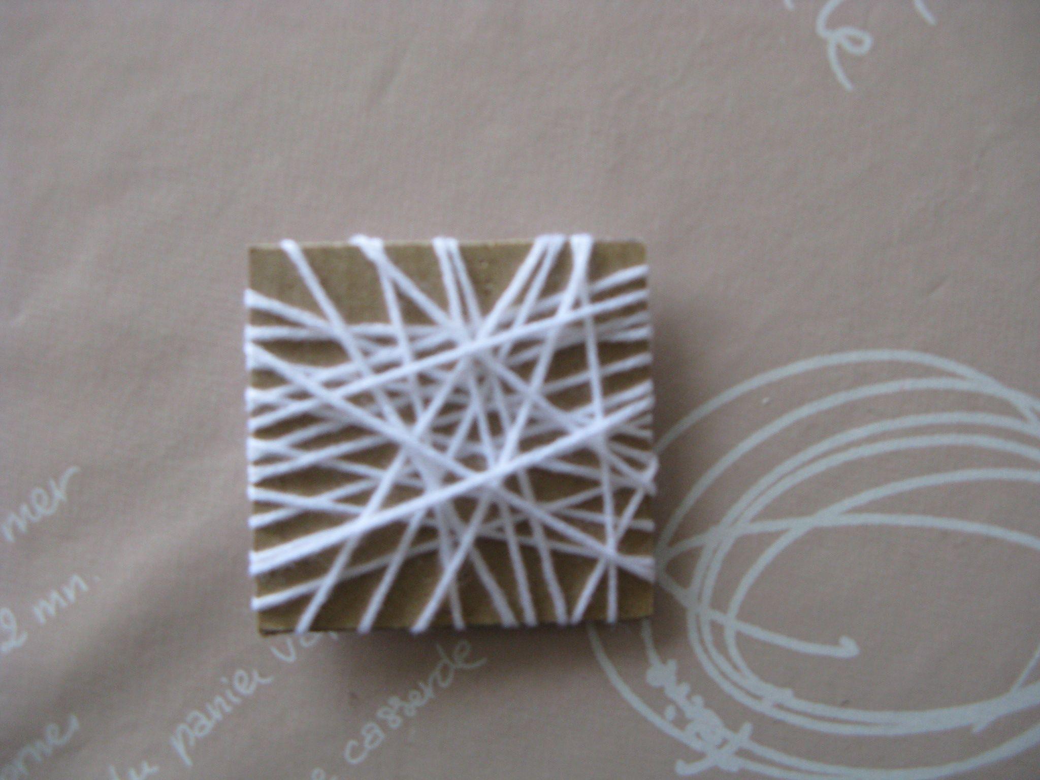 peindre avec du carton et de la laine